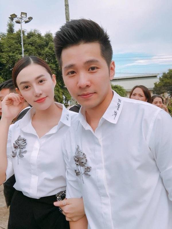 Một năm sau khi sinh con gái đầu lòng, Lê Hà (The Face) và ông xã điển trai như tài tử tổ chức đám cưới-6