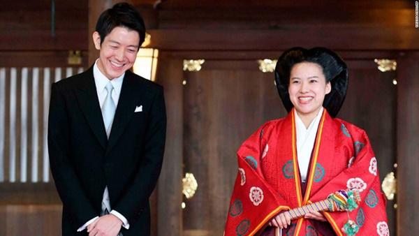 Từng có đến 6 nữ hoàng trị vì trong lịch sử, vì sao phụ nữ hoàng gia Nhật ngày nay không được phép kế vị, chịu áp lực hà khắc nơi cấm cung-4