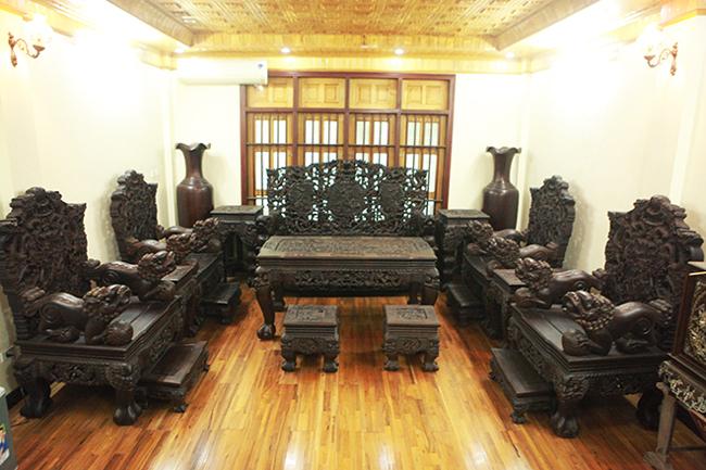 Tuyệt tác bộ bàn ghế gỗ trắc 17 món giá hơn 6 tỷ đồng của đại gia Hà Nội-1