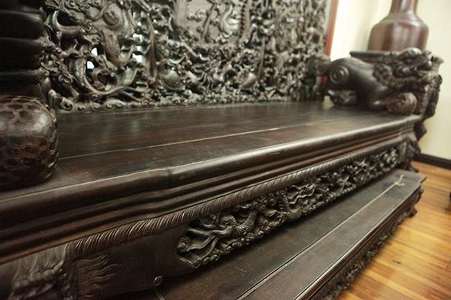 Tuyệt tác bộ bàn ghế gỗ trắc 17 món giá hơn 6 tỷ đồng của đại gia Hà Nội-12