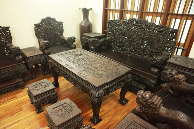 Tuyệt tác bộ bàn ghế gỗ trắc 17 món giá hơn 6 tỷ đồng của đại gia Hà Nội-2