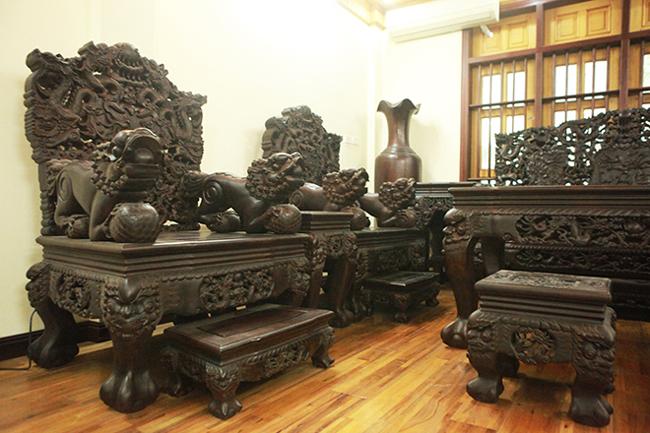 Tuyệt tác bộ bàn ghế gỗ trắc 17 món giá hơn 6 tỷ đồng của đại gia Hà Nội-3