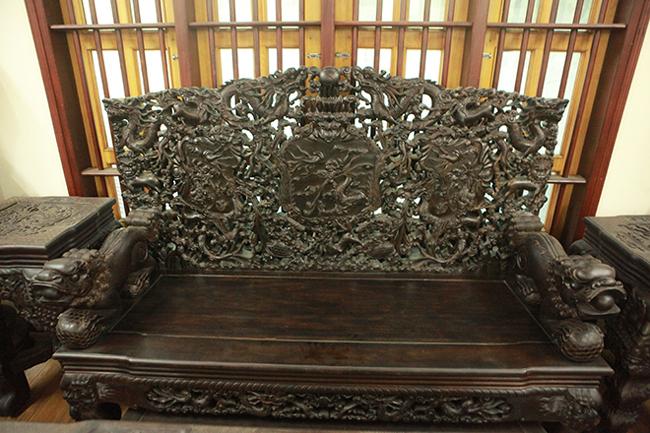 Tuyệt tác bộ bàn ghế gỗ trắc 17 món giá hơn 6 tỷ đồng của đại gia Hà Nội-8