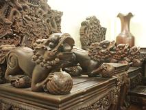 Tuyệt tác bộ bàn ghế gỗ trắc 17 món giá hơn 6 tỷ đồng của đại gia Hà Nội