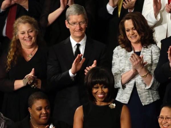 Điều hành Apple nghìn tỷ USD, CEO Tim Cook vẫn mua đồ lót giảm giá, muốn quyên hết tiền sau khi trả học phí cho cháu trai-7