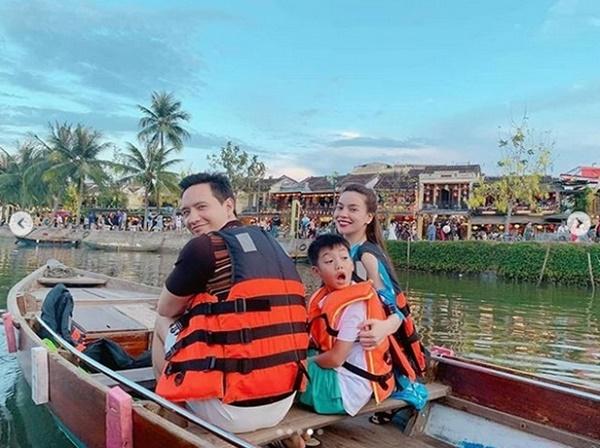 Giữa tin đồn mang thai, Hồ Ngọc Hà hạnh phúc cùng Kim Lý và con trai đi du lịch như một gia đình-1