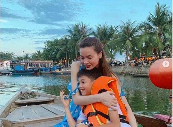 Giữa tin đồn mang thai, Hồ Ngọc Hà hạnh phúc cùng Kim Lý và con trai đi du lịch như một gia đình-4