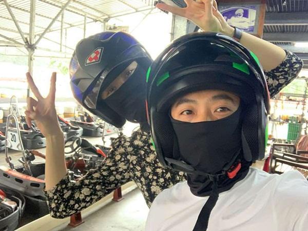 Cường Đôla đưa con riêng đi chơi cùng Đàm Thu Trang, đây là phản ứng của mẹ vợ tương lai-1