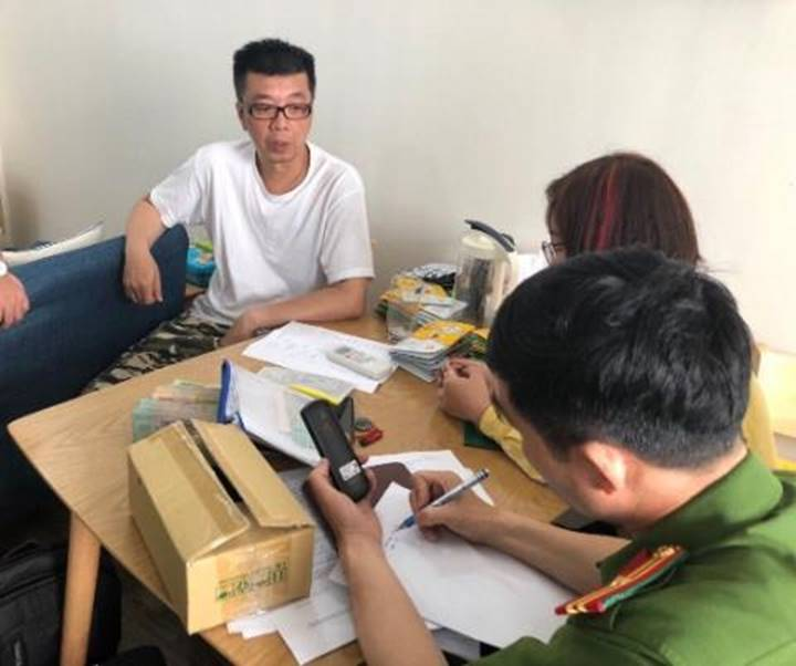 Công nhân giữa Hà Nội: Lương 5 triệu tài khoản chục tỷ, siêu xe Porsche-2