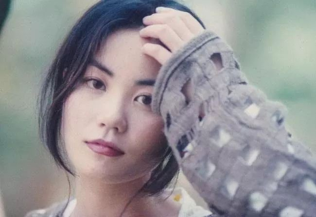Trương Bá Chi xinh đẹp như tác phẩm điêu khắc, trẻ hơn một Vương Phi 2 đời chồng đến tận 10 tuổi tại sao vẫn để mất Tạ Đình Phong?-5