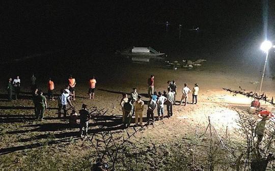 Vụ 3 học sinh bị đuối nước: 2 thi thể cháu bé trôi hơn 1km-1