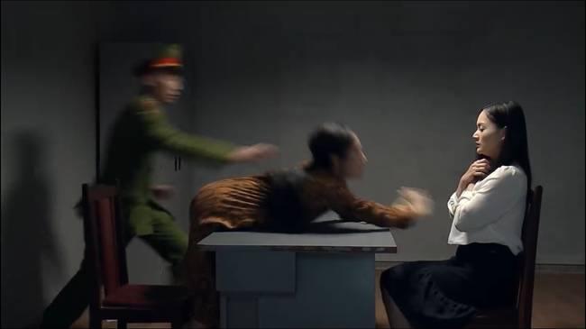 Nàng dâu order: Hồ ly Phương Oanh bị bắt vẫn không tỉnh ngộ, xông vào đánh Lan Phương giữa đồn công an-2