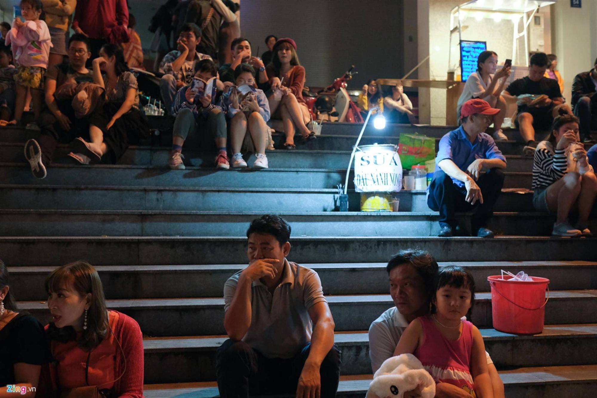Cảnh người ngắm người ở các điểm đến nổi tiếng của Đà Lạt-6