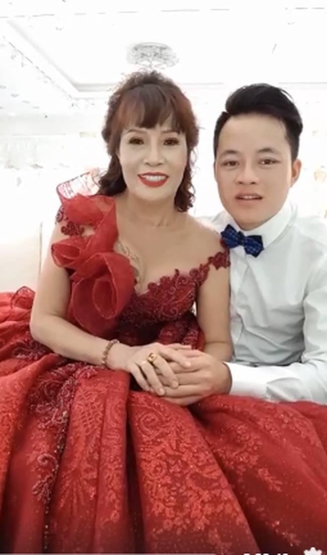 Cưới chưa tròn năm, cô dâu 62 tuổi tiết lộ đã viết di chúc chia tài sản, chồng trẻ kém 36 tuổi không có phần?-5