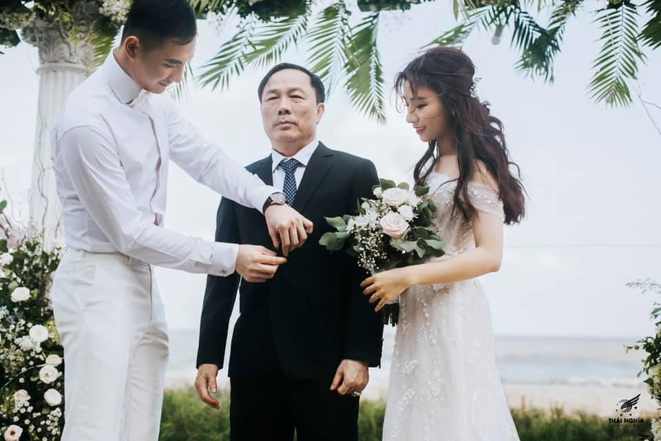 Đám cưới xa hoa của con gái bầu Đệ và người mẫu bên biển Thanh Hóa-11