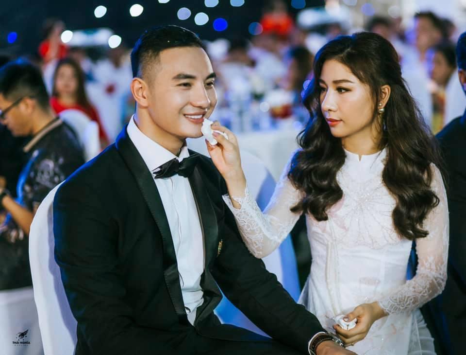 Đám cưới xa hoa của con gái bầu Đệ và người mẫu bên biển Thanh Hóa-13