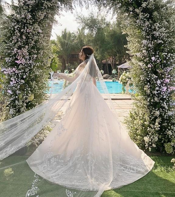 Đám cưới xa hoa của con gái bầu Đệ và người mẫu bên biển Thanh Hóa-7