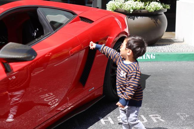 Mới 2 tuổi, con trai Đan Trường đã sở hữu thú vui xa xỉ của hội con nhà giàu-3