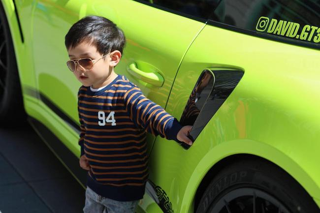 Mới 2 tuổi, con trai Đan Trường đã sở hữu thú vui xa xỉ của hội con nhà giàu-5
