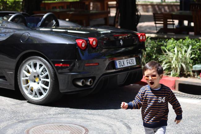 Mới 2 tuổi, con trai Đan Trường đã sở hữu thú vui xa xỉ của hội con nhà giàu-7