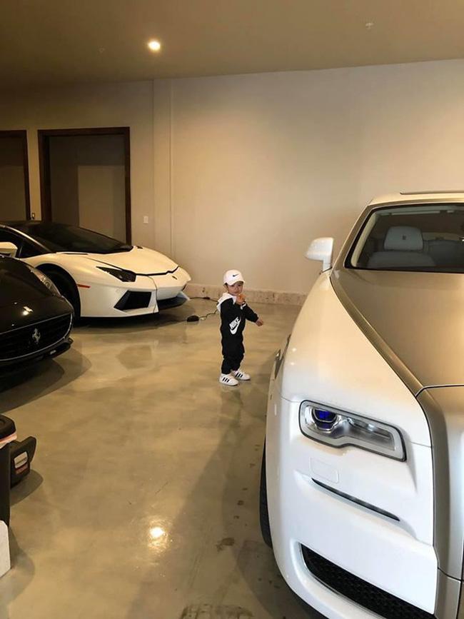 Mới 2 tuổi, con trai Đan Trường đã sở hữu thú vui xa xỉ của hội con nhà giàu-8