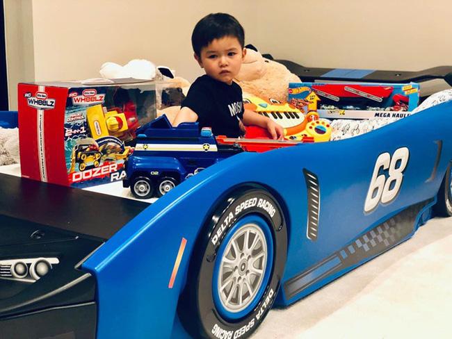 Mới 2 tuổi, con trai Đan Trường đã sở hữu thú vui xa xỉ của hội con nhà giàu-9
