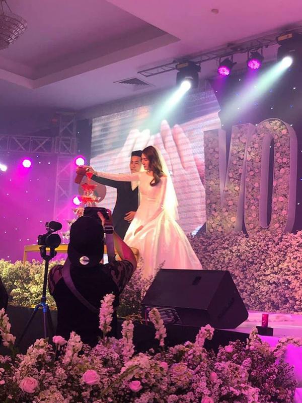 Ngọc Trinh cùng dàn mỹ nhân Vbiz nổi bật nhưng chưa chiếm spotlight bằng con gái tròn 1 tuổi trong đám cưới Lê Hà-8