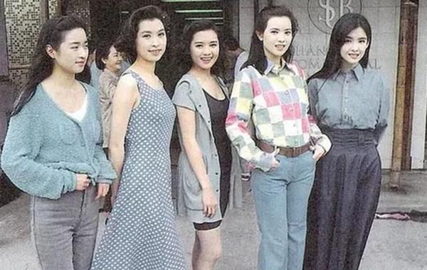 Nhìn lại nhan sắc của loạt đại mỹ nhân Cbiz gần 20 năm trước để hiểu rằng Dương Mịch, Địch Lệ Nhiệt Ba của hiện tại nhạt nhòa thế nào-14