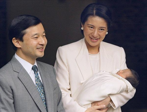 Chân dung Tân Nhật hoàng Naruhito - vị vua sẽ gắn bó với người dân Nhật Bản trong thời kỳ Reiwa đầy hứa hẹn-6