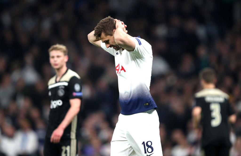 Tottenham 0-1 Ajax: Vắng Son Heung-min, Tottenham bế tắc và chịu thất bại ngay trên sân nhà-2