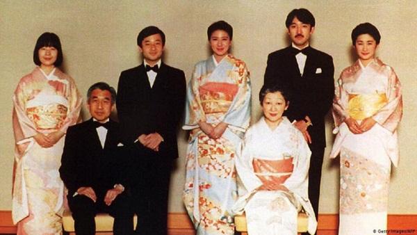 Tân Nhật hoàng sắp lên ngôi nhưng vợ của ông sẽ không được phép dự - Tại sao thế?-3