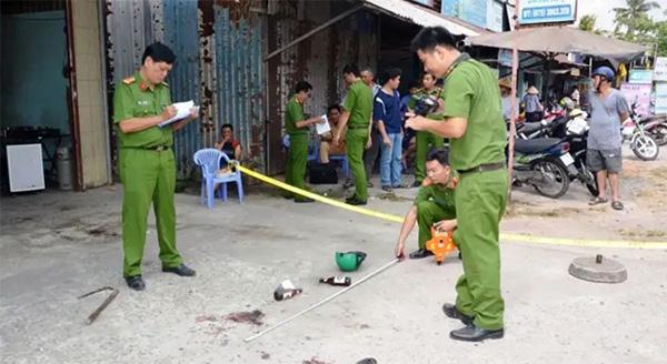 Nam thanh niên rút dao bấm đâm chết tình địch trong đêm vì bị chặn đường giành bạn gái-1