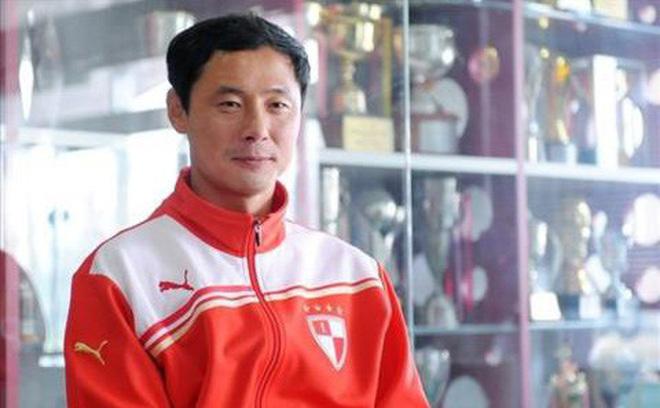 Hé lộ danh tính HLV sẽ thay thầy Park cầm U23 Việt Nam-1