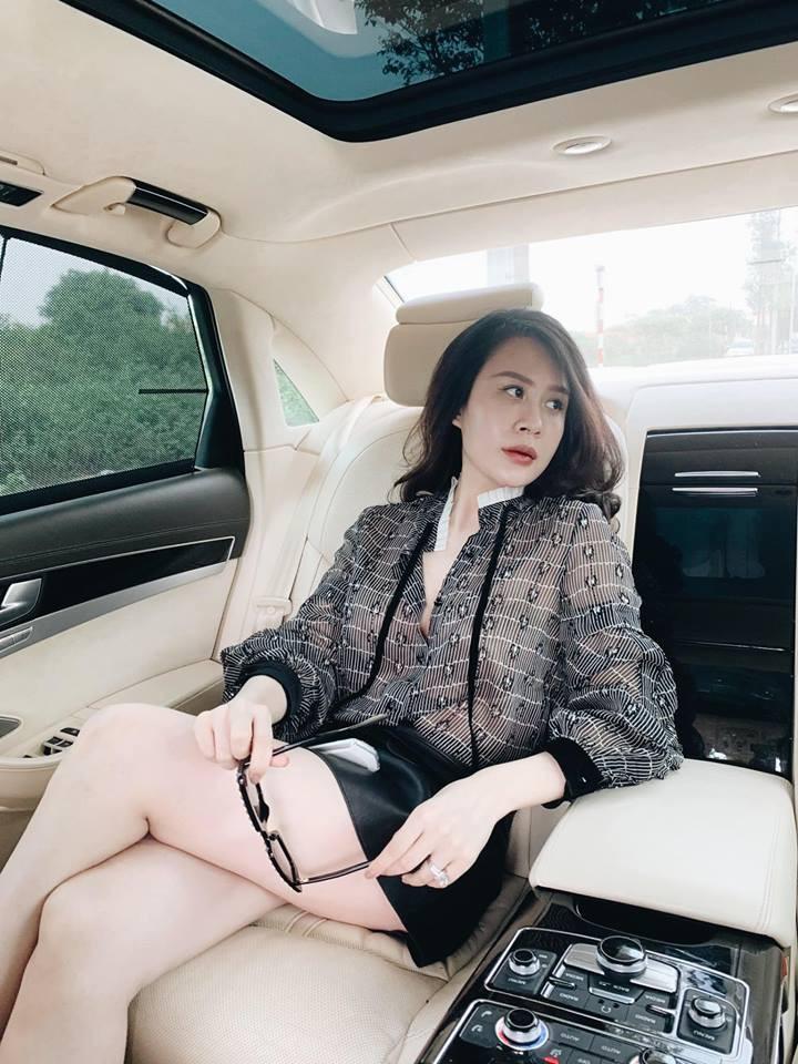Khoe ảnh đi nghỉ dưỡng sang chảnh ở Phú Quốc, bà xã nóng bỏng của MC Thành Trung gây ngỡ ngàng với nhan sắc lạ-1
