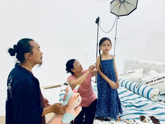 Vợ chồng Đoan Trang tình tứ kỷ niệm 6 năm góp gạo thổi chung nồi-3