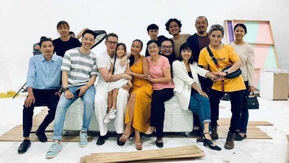 Vợ chồng Đoan Trang tình tứ kỷ niệm 6 năm góp gạo thổi chung nồi-7