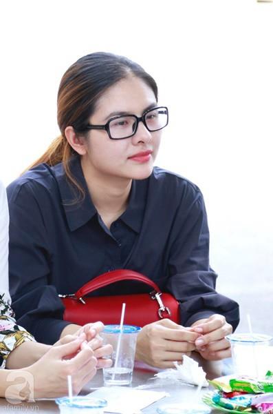 Nghệ sĩ Quyền Linh, Vân Trang mắt đỏ hoe, thẫn thờ ôn lại những kỷ niệm cùng cố nghệ sĩ Lê Bình-4