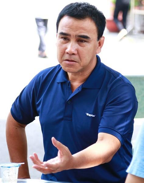 Nghệ sĩ Quyền Linh, Vân Trang mắt đỏ hoe, thẫn thờ ôn lại những kỷ niệm cùng cố nghệ sĩ Lê Bình-2