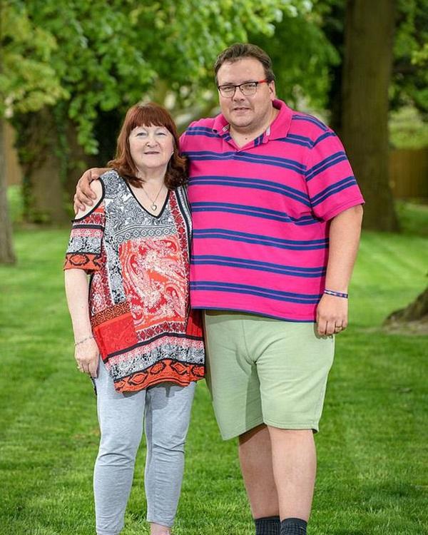 Nam thanh niên 17 tuổi kết hôn với cụ bà 51 tuổi 18 năm trước giờ ra sao?-3