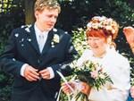 Chàng trai 19 yêu say đắm cụ bà 72 tuổi và đêm tân hôn đáng nhớ-6