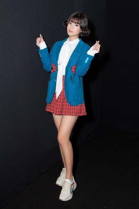 Không phải váy áo đồ hiệu tiền tỷ, đây là điều Đỗ Mỹ Linh, Hương Giang hay HHen Niê đều làm để khiến mình nổi bật-11