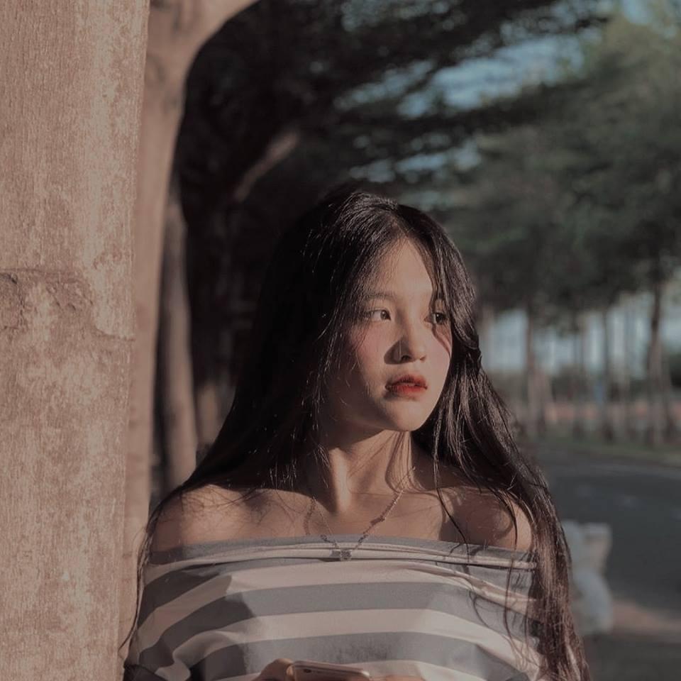 Nữ sinh Đồng Nai nổi như cồn sau một lần bị đăng ảnh trên Facebook, được khen giống Han Sara nhưng dễ thương hơn-1