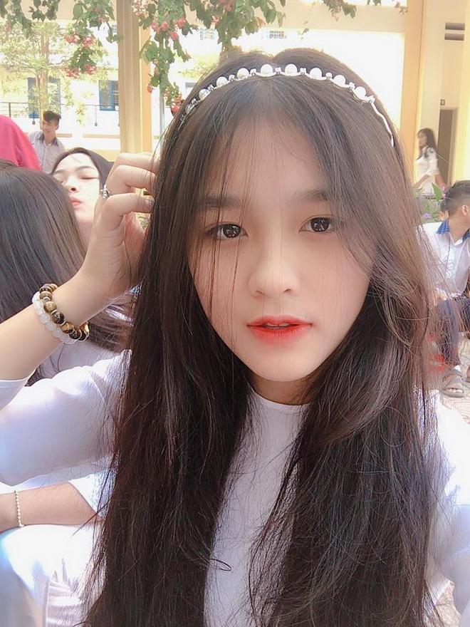 Nữ sinh Đồng Nai nổi như cồn sau một lần bị đăng ảnh trên Facebook, được khen giống Han Sara nhưng dễ thương hơn-6