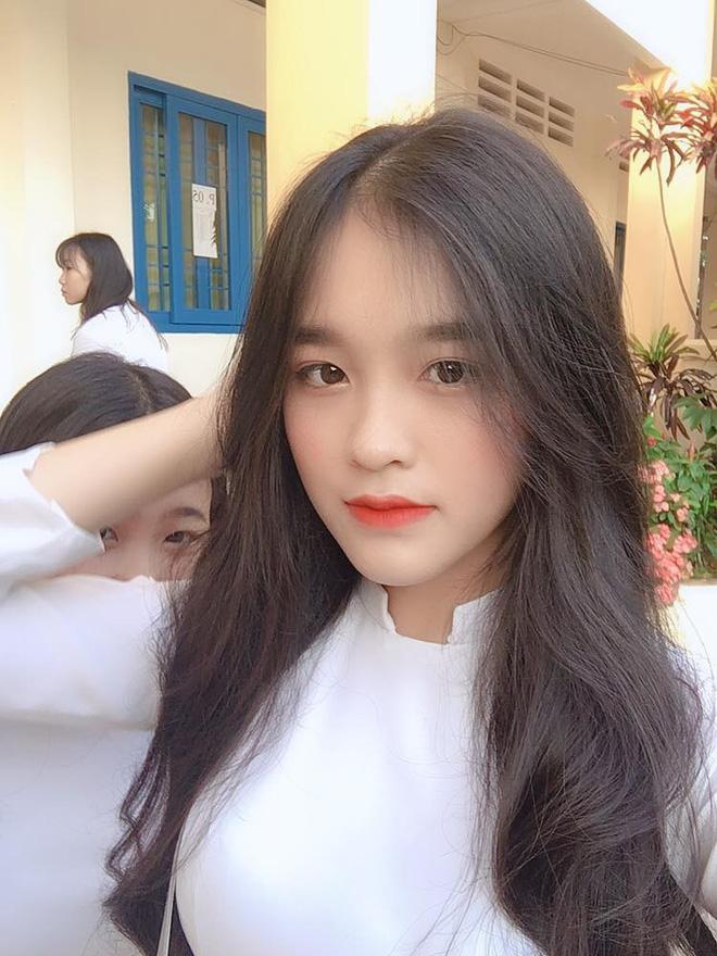 Nữ sinh Đồng Nai nổi như cồn sau một lần bị đăng ảnh trên Facebook, được khen giống Han Sara nhưng dễ thương hơn-8