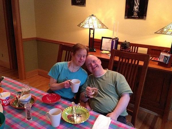 Chuyện tình 25 năm đầy cảm động của đôi vợ chồng mắc hội chứng Down và những năm tháng phải đấu tranh giành lấy hạnh phúc-2