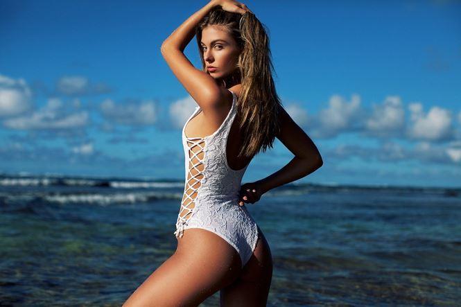 Đường cong hoàn hảo của chân dài Carmella Rose gây chao đảo-7