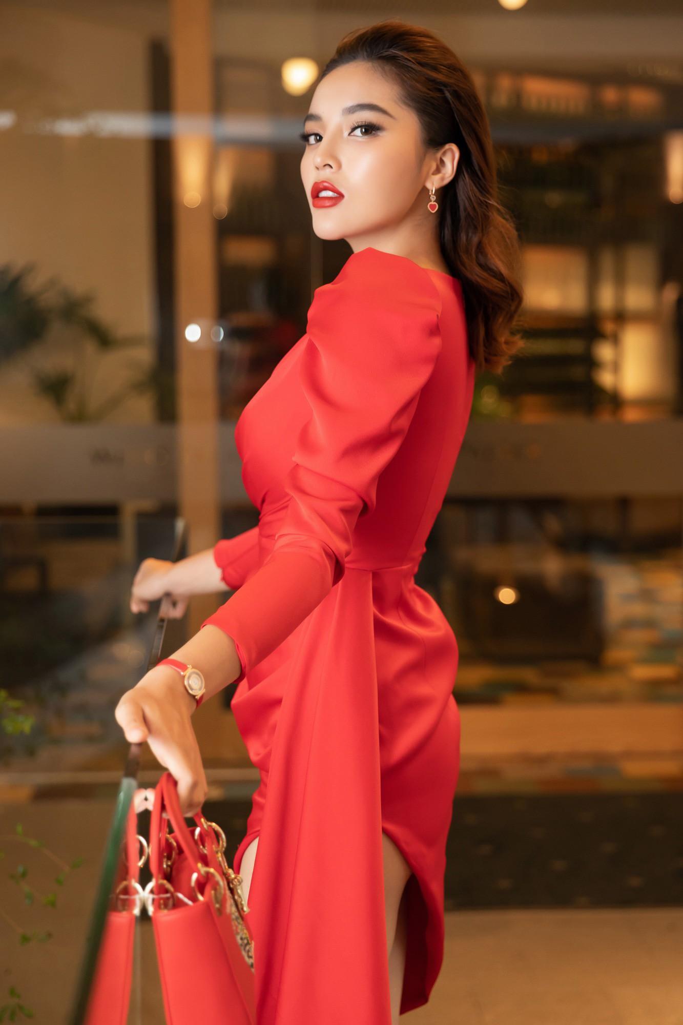 Váy từng phải nới rộng vì siêu vòng 3 của Đỗ Mỹ Linh có chủ nhân mới-3