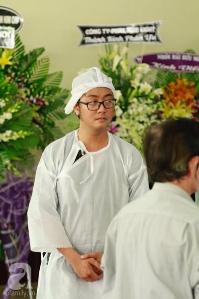 Con đầu qua đời vì tai nạn, con thứ 2 đang ở trại cai nghiện, hậu sự của nghệ sĩ Lê Bình đều do cậu con út lo liệu-2