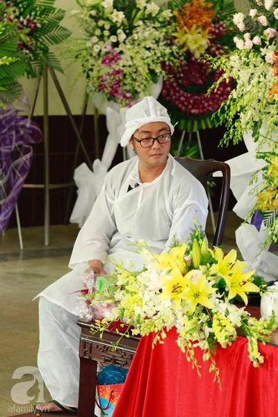 Con đầu qua đời vì tai nạn, con thứ 2 đang ở trại cai nghiện, hậu sự của nghệ sĩ Lê Bình đều do cậu con út lo liệu-8