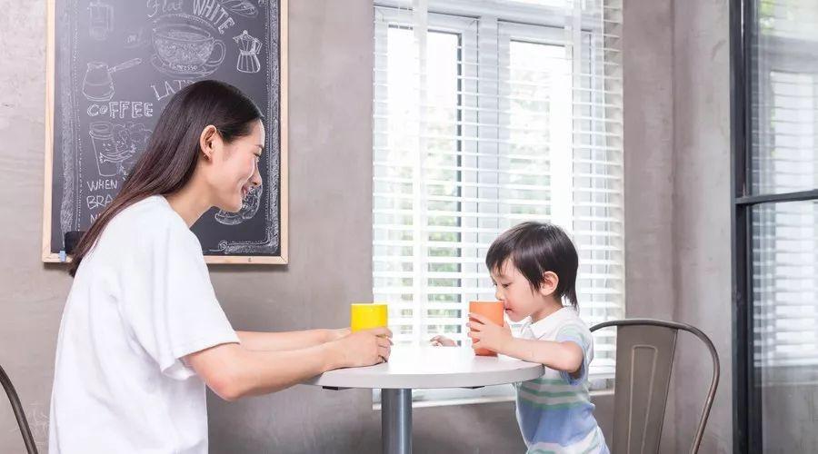 Những đứa trẻ thành công có cha mẹ làm tốt 8 vai trò này-5